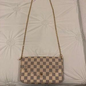 beautiful purse!